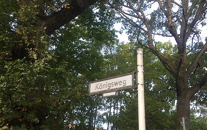 "Schild ""Königsweg"""