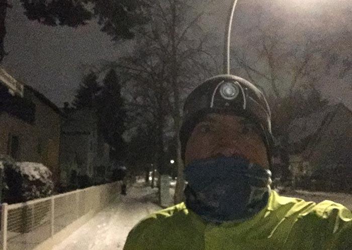 Läufer mit Schlauchtuch