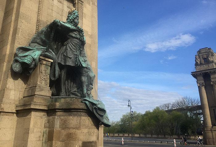 Bronzestatue König Friedrich I. am Charlottenburger Tor