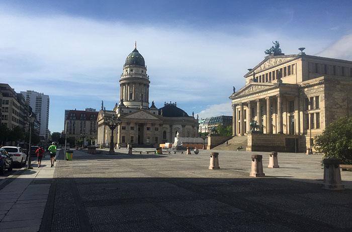 Gendarmenmarkt mit Konzerthaus und Deutschem Dom