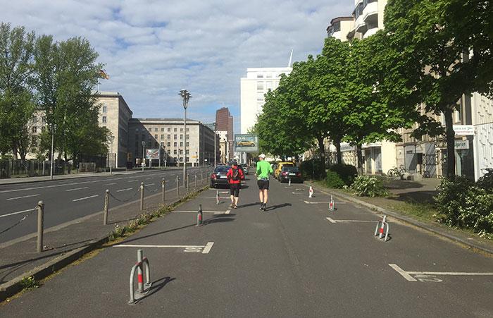 Läufer auf der Leipziger Straße