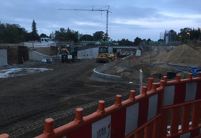 Baustelle mit Blick in die neue Unterführung
