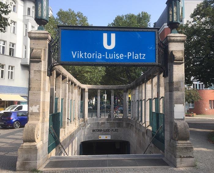 Historischer U-Bahn-Eingang Viktoria-Luise-Platz